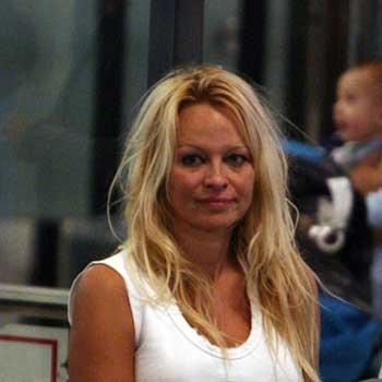 Pamela Anderson (listopad 2009.)