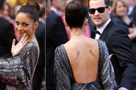 Tetovaža na leđima Nicole Richie