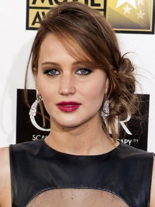Svečane frizure zvijezda za 2013.