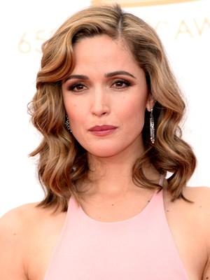 obilježili su ženske frizure na crvenom tepihu dodjele Emmy nagrada