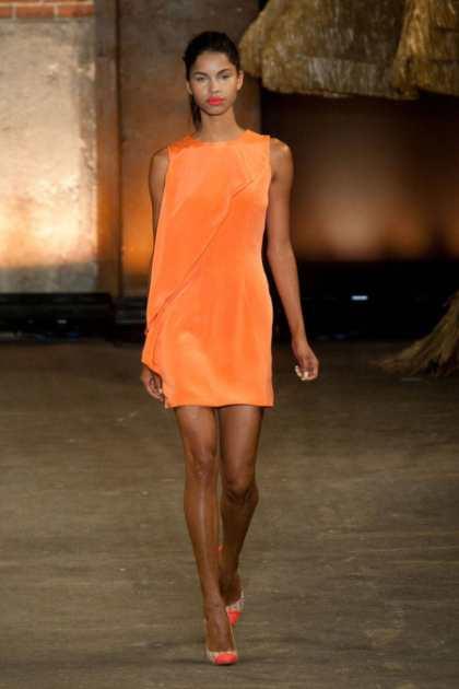 moderna-narancasta-boja