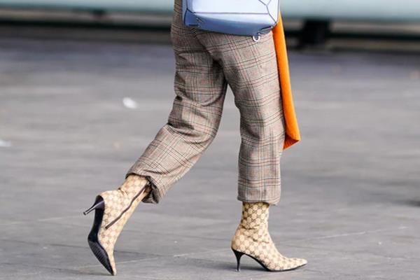 Stil nošenja čizmi koji odjedanput viđamo na svima