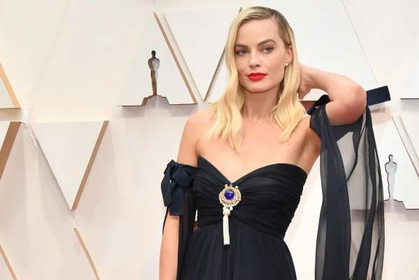 Na Oscaru zvijezde zablistale u crnim svečanim haljinama