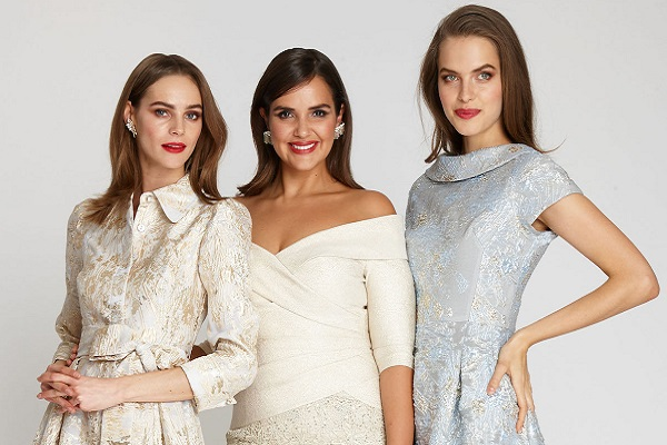 21 moderna duga svečana haljina za žene preko 50