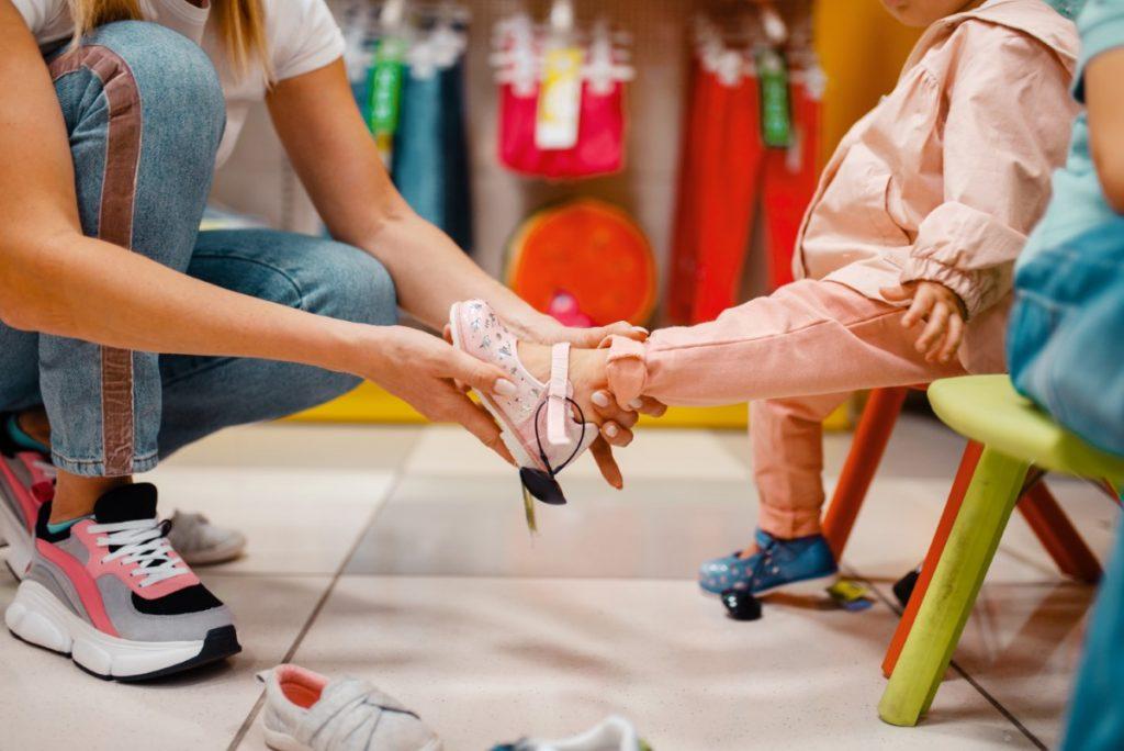 Kakva će se obuća svidjeti vašoj kćeri? Pogledajte u koje modele uložiti ove godine