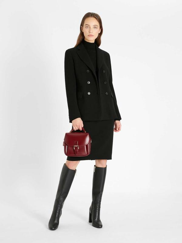 Moderna ženska odijela za 2021/2022. – najnoviji trendovi za jesen i zimu